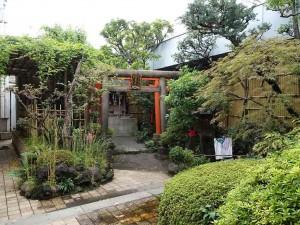 靏護稲荷神社(かく ごいなりじんじゃ)